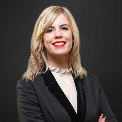 Stephanie Pelz